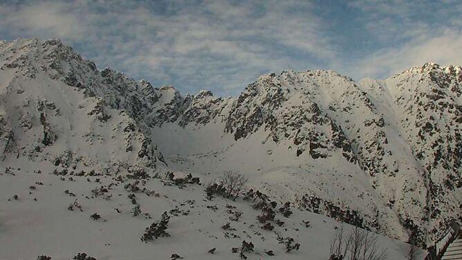 """""""Szklane góry"""". Skute lodem Bieszczady, w Tatrach lawinowa """"dwójka"""""""